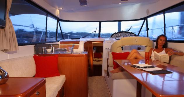 Rental Motorboat in Bandol - Bénéteau Antares 36