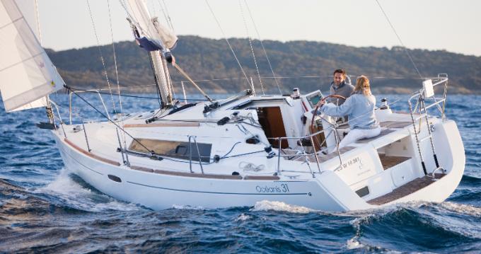 Rental yacht Bandol - Bénéteau Oceanis 31 on SamBoat