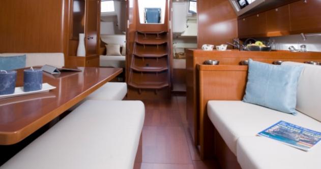 Rental yacht Hyères - Bénéteau Oceanis 45 on SamBoat