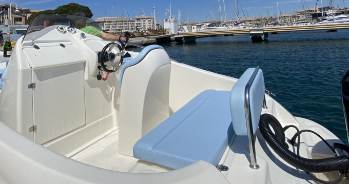 Hire Motorboat with or without skipper Clear Fréjus