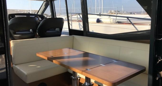 Motorboat for rent Kaštel Gomilica at the best price