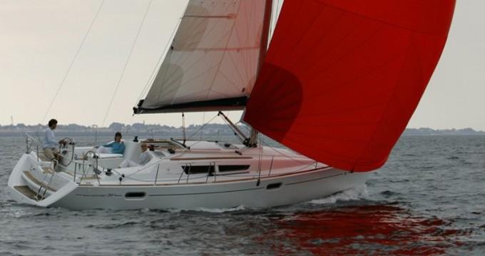 Rental Sailboat in Lefkada (Island) - Jeanneau Sun Odyssey 39i