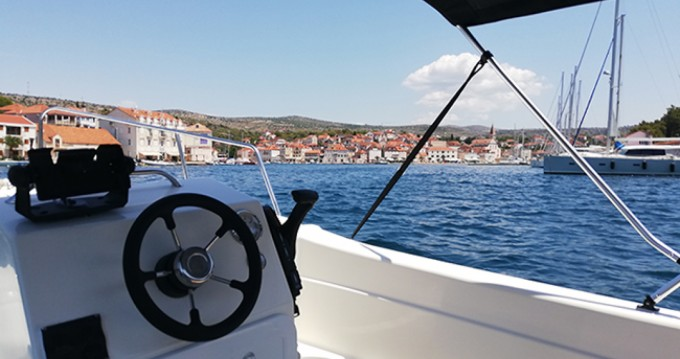 Hire Motorboat with or without skipper Betina Milna
