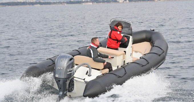 Boat rental Unknown Brand Bombard Sunrider 6.50 Bombard Sunrider 6.50 in Port du Crouesty on Samboat