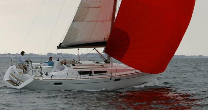 Jeanneau Sun Odyssey 39i between personal and professional Lefkada (Island)
