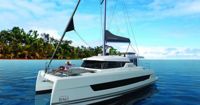 Rental Catamaran in Sant Antoni de Portmany - Bali Catamarans Bali Catspace TEAM FACTORY