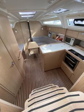 Boat rental Castelldefels cheap Bavaria 37 Cruiser