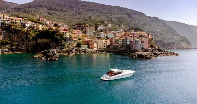 Boat rental Baia Flash 48 in La Spezia on Samboat