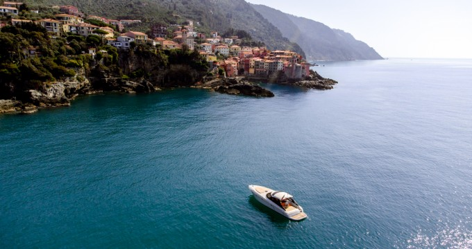 Hire Motorboat with or without skipper Baia La Spezia