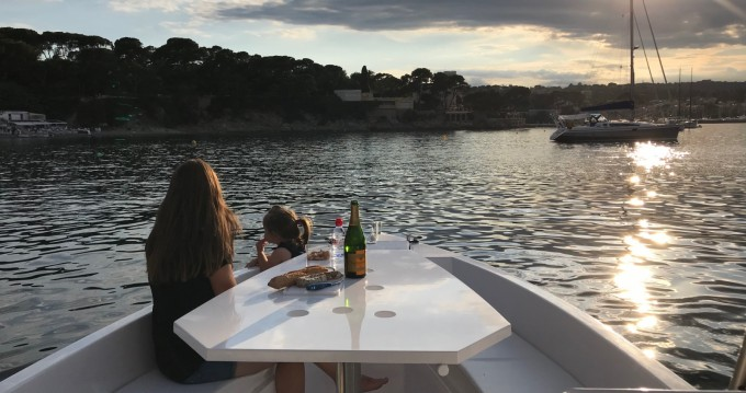 Hire Motorboat with or without skipper Sans Permis Electrique France