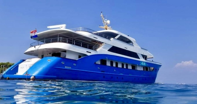 Hire Yacht with or without skipper Custom Made Split Ferry Port