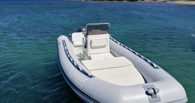 Boat rental Hyères cheap Beluga 20