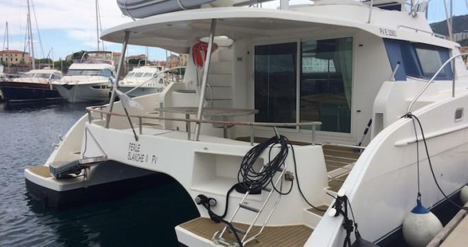 Rental Motorboat in Ajaccio - Fountaine Pajot FP Cumberland 44