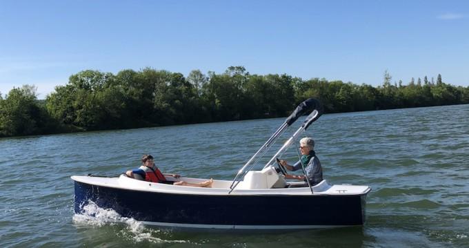 Rental Motorboat in Mâcon - Ruban-Bleu Scoop