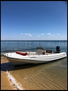 Boat rental Boston Whaler Boston Whaler 21 Outrage in Lège-Cap-Ferret on Samboat