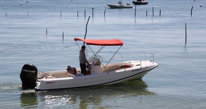 Boat rental Lège-Cap-Ferret cheap Boston Whaler 21 Outrage
