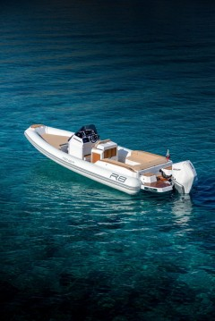 Boat rental Le Lavandou cheap Renier R8 Tourer