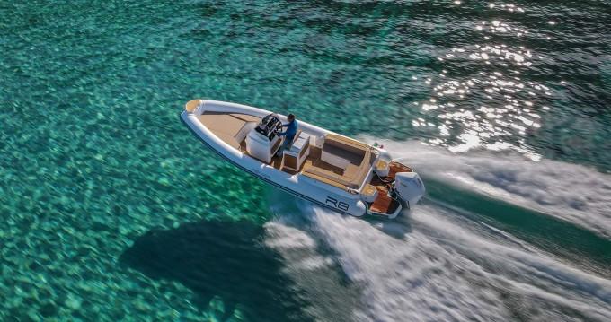 Boat rental Renier Renier R8 Tourer in Le Lavandou on Samboat