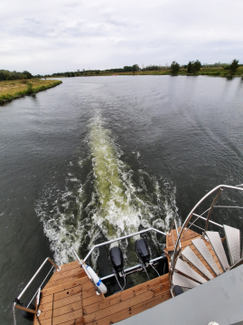 Motorboat for rent Ophoven at the best price