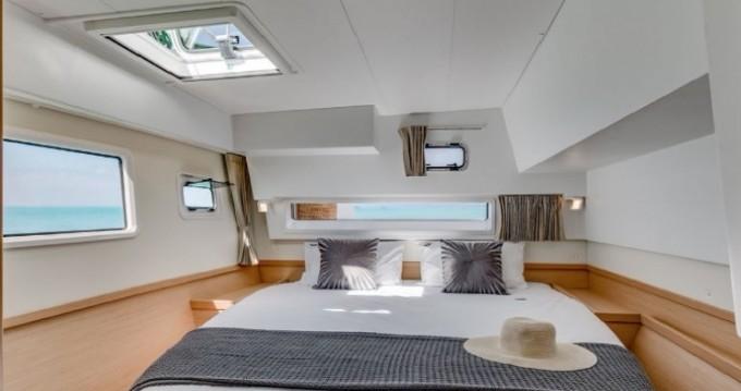 Boat rental Scrub Island cheap Lagoon 42