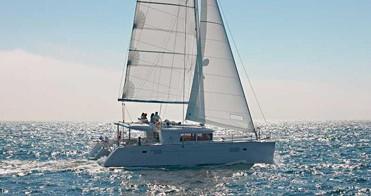 Boat rental La Paz cheap Lagoon 450 F