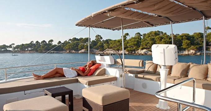 Boat rental Nassau cheap Lagoon 620 - 6 + 2 cab.
