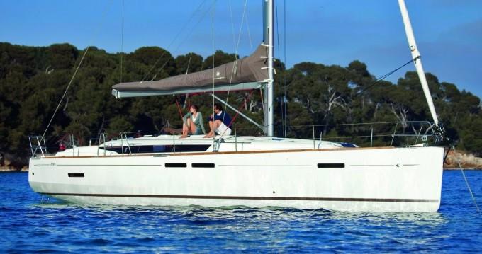 Jeanneau Sun Odyssey 449 between personal and professional Nassau