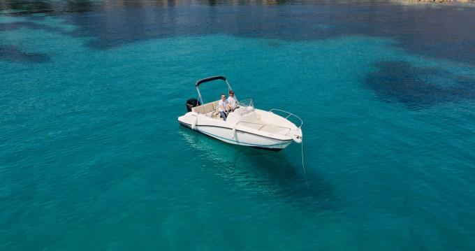 Boat rental Saint-Jean-Cap-Ferrat cheap Activ 605 Open