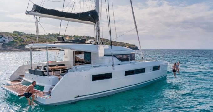 Rental Catamaran in Saint-Raphaël - Lagoon Lagoon 46