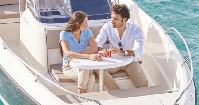 Boat rental Valencia cheap Activ 605 Open