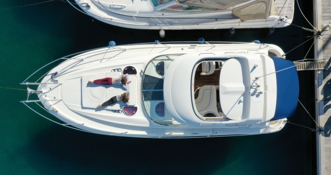 Boat rental Cavalaire-sur-Mer cheap BMB 33 Sport HT