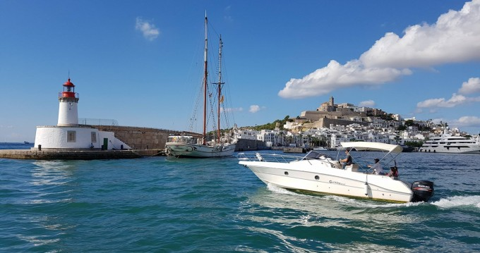 Boat rental Ibiza Island cheap Cap 32 WA