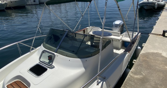 Rental Motorboat in Hyères - Jeanneau Cap Camarat 615 WA