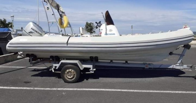 RIB for rent Frontignan at the best price