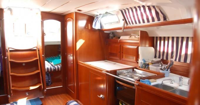 Rent a Bénéteau Oceanis 473 Clipper Lefkas Marina