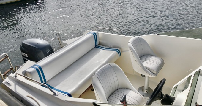 Hire Motorboat with or without skipper Bénéteau Six-Fours-les-Plages