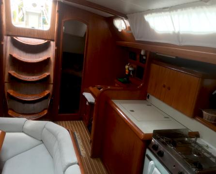 Rental yacht Gouvia - Jeanneau Sun Odyssey 42.2 on SamBoat