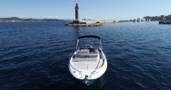 Rental yacht Cogolin - Jeanneau Cap Camarat 7.5 on SamBoat