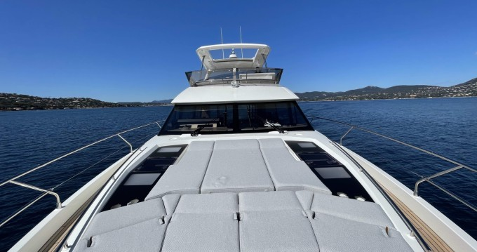 Hire Yacht with or without skipper Prestige Cogolin