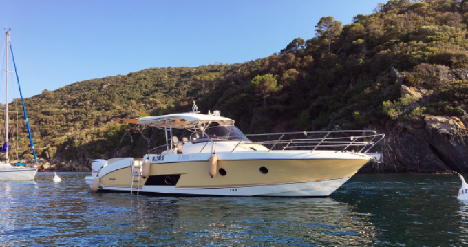 Rental Motorboat in Cannes - Sessa Marine Key Largo 36