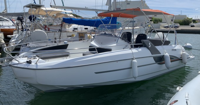 Boat rental Port-Camargue cheap Flyer 7.7 SPACEdeck