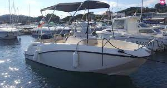 Boat rental Quicksilver Activ 535 Open in Aix-les-Bains on Samboat