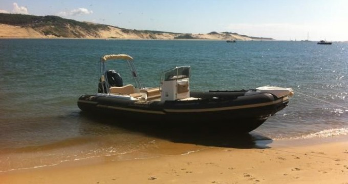 Joker Boat Clubman 22 between personal and professional Port d'Arcachon