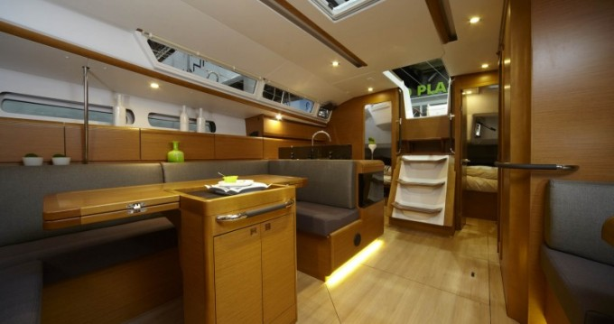 Hire Sailboat with or without skipper Jeanneau Valletta