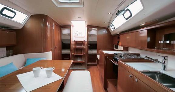 Rental yacht Valletta - Bénéteau Oceanis 40 on SamBoat