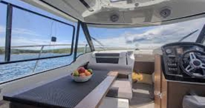 Hire Motorboat with or without skipper Jeanneau Crikvenica