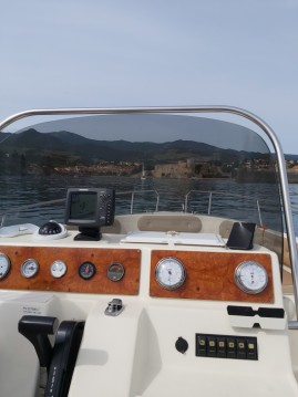 Rental Motorboat Rascala with a permit