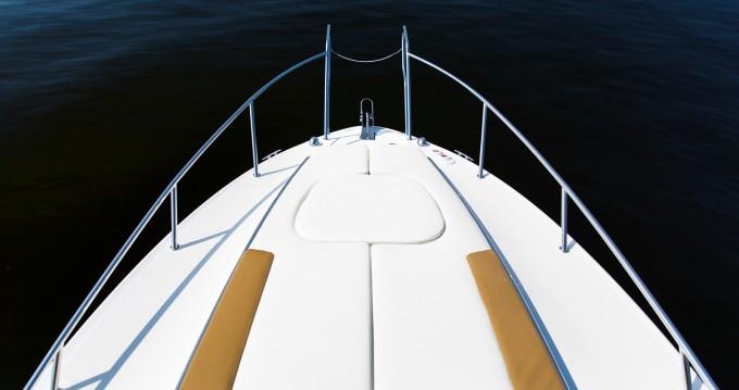 Rental yacht Vlychada - Sea Ray Sundancer 265 on SamBoat
