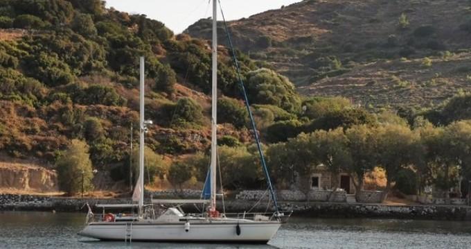 Boat rental Amel Santorin in Agay on Samboat