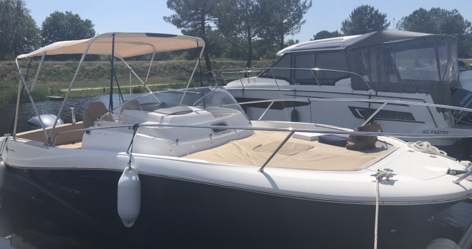 Boat rental Jeanneau Cap Camarat 7.5 WA in Cazaux on Samboat